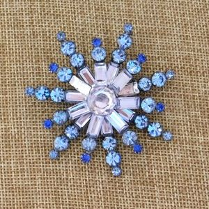 Vintage Christmas Holiday Snowflake Brooch Winter